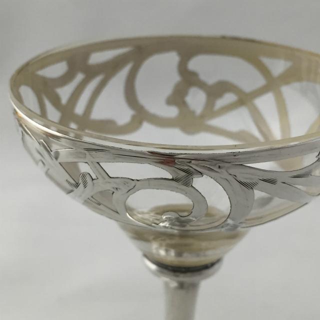 グラスウェア「唐草文 カクテルグラス 高さ9.7cm(容量約40ml)」