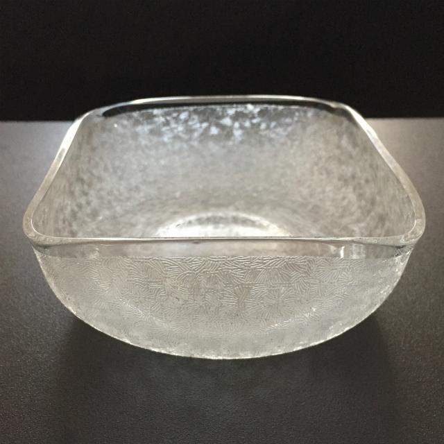 グラスウェア「エッチング地紋 角鉢(底部エッチングあり)」