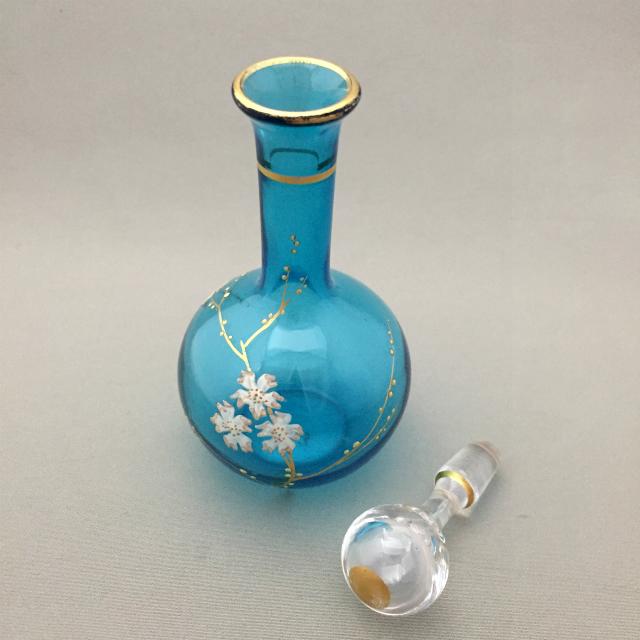 グラスウェア「桜文香水瓶」