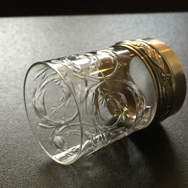 グラスウェア「シルバーホルダー付 カット文 リキュールグラス 高さ5.2cm(容量約25ml)」
