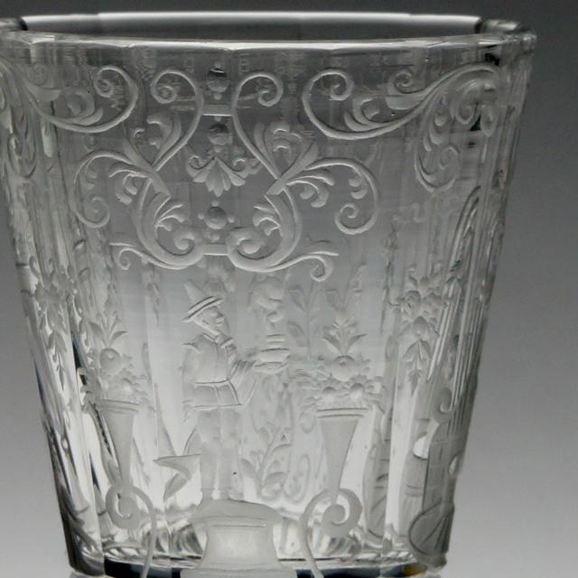 グラスウェア「人物文 グラヴィール装飾 リキュールグラス 高さ8cm(容量約20ml)」
