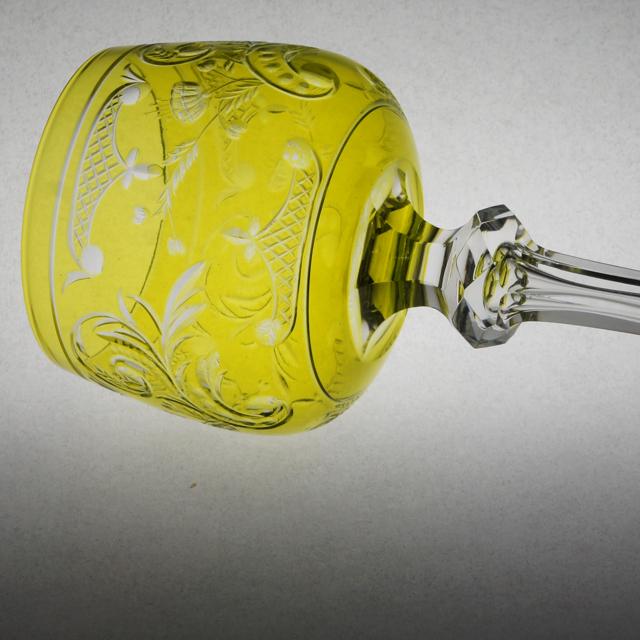 グラスウェア「グラヴィール装飾 ラインワイングラス(黄緑ガラス)高さ19.5cm」