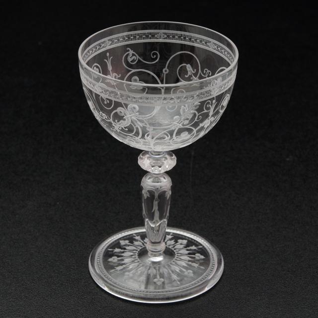 グラスウェア「1878年パリ万博出品 コカトリス文 グラヴィール装飾 ワイングラス(小)高さ8.5cm」