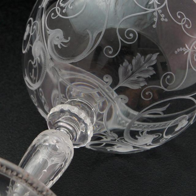 グラスウェア「1878年パリ万博出品 コカトリス文 グラヴィール装飾 ワイングラス(大)高さ11.5cm」