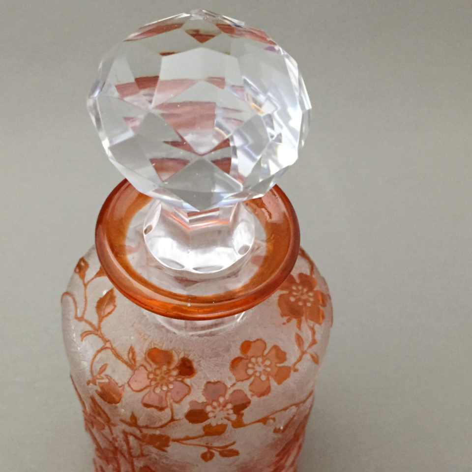 グラスウェア「エグランチェ 香水瓶(橙色ガラス)」