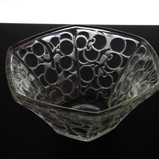 「鉢 6面の葡萄」