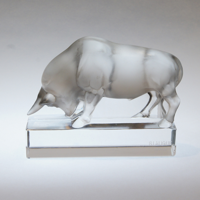 グラスウェア「ペーパーウェイト 雄牛」