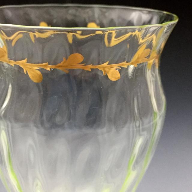 グラスウェア「ウランガラス 金彩 ワイングラス 高さ16.3cm」
