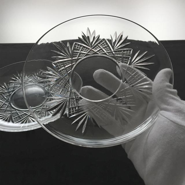 グラスウェア「カット装飾 皿 2枚セット 直径19.5cm」