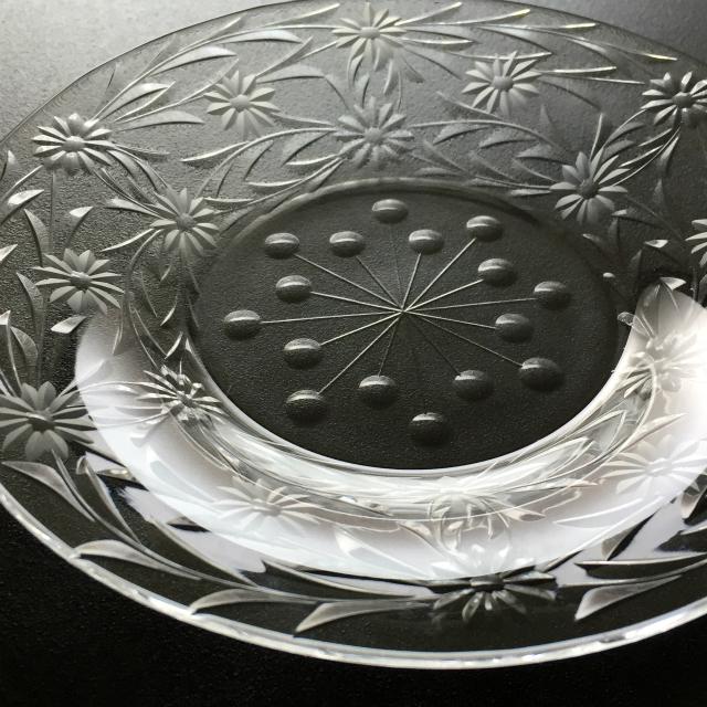 グラスウェア「フラワーカット 小皿 6枚セット 直径13.8cm」